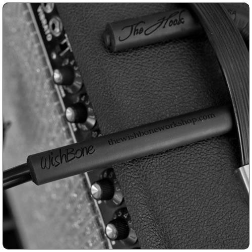 Wishbone Workshop The Amp Hook - Mikrofonholder for gitar/bassforsterkere/kabinett