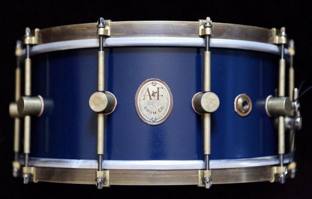 A&F 5,5x14 Chandler Blue Club Snare, Brass Hoops